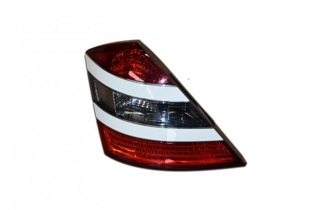 A2218200166 Tail Light_2