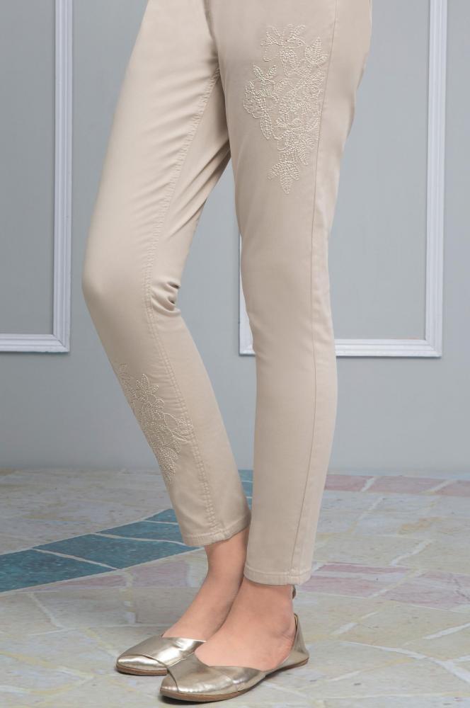 Ladies Embroidered Skinny Jeans_2