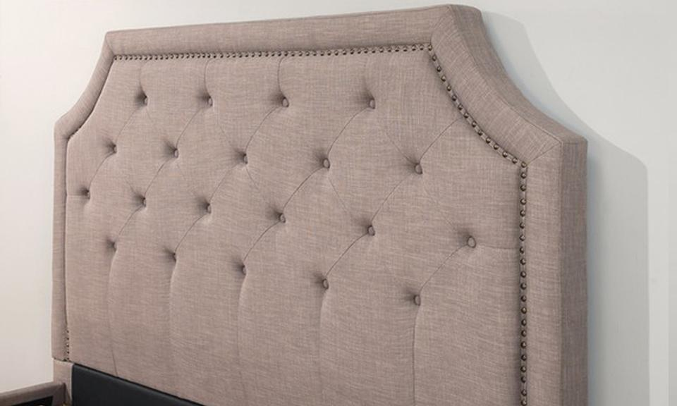 Sierra Nailhead-trim Upholstery Platform Bed_3