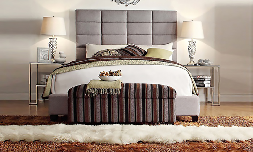 Luxurious Classic High-Profile Upholstered Bed_4
