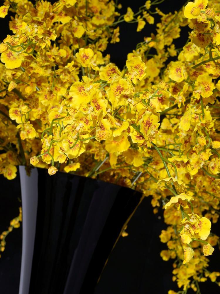 Flower Set Arrangement Sayonara, Black Vase and Yellow Flowers, Italy_5
