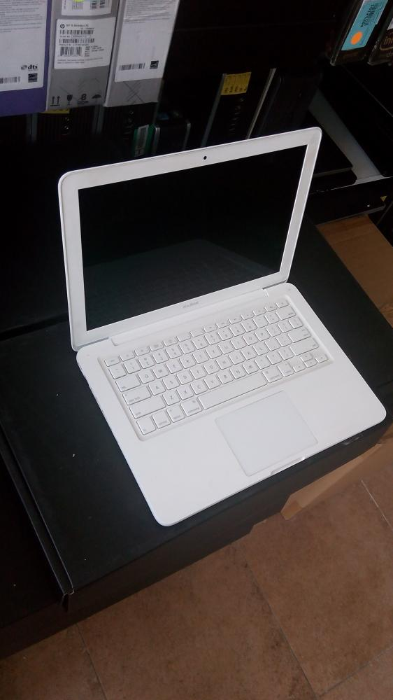 Apple Macbook (A1342)_10