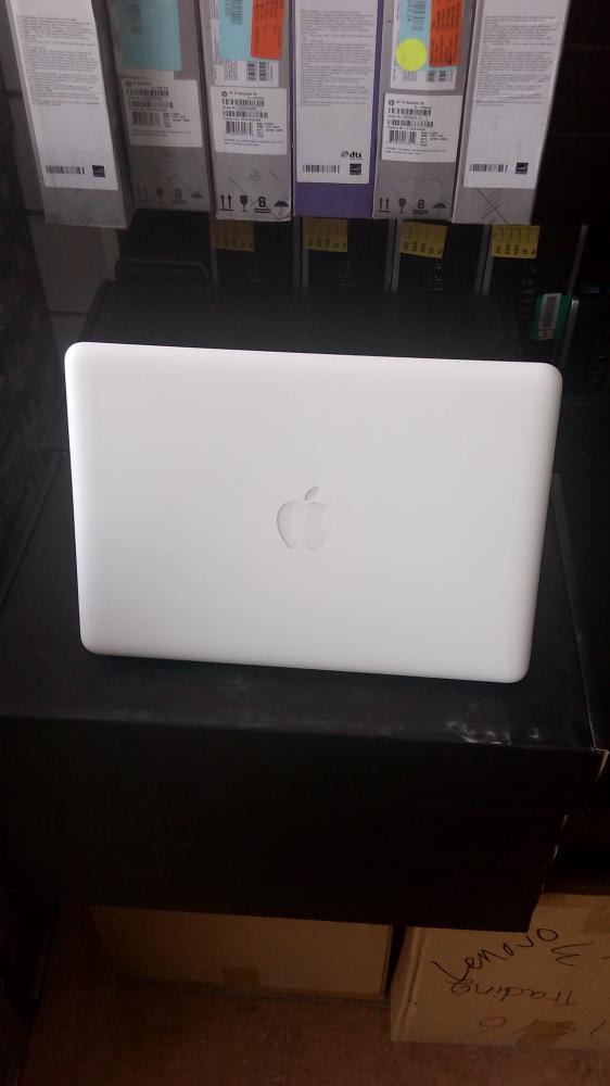 Apple Macbook (A1342)_5