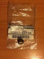 Nissan 13207-95F0B SEAL OIL,