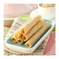 Handmade rice eggrolls - sesame