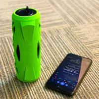Waterproof flashlight bluetooth speaker aux tf usb and micro input 1800 mah battery bd-bs-026