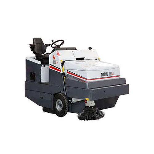 Ride on sweeper: diesel operated 120 dk