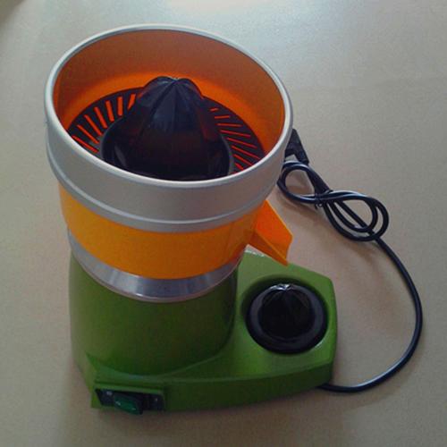 Automatic orange juicers
