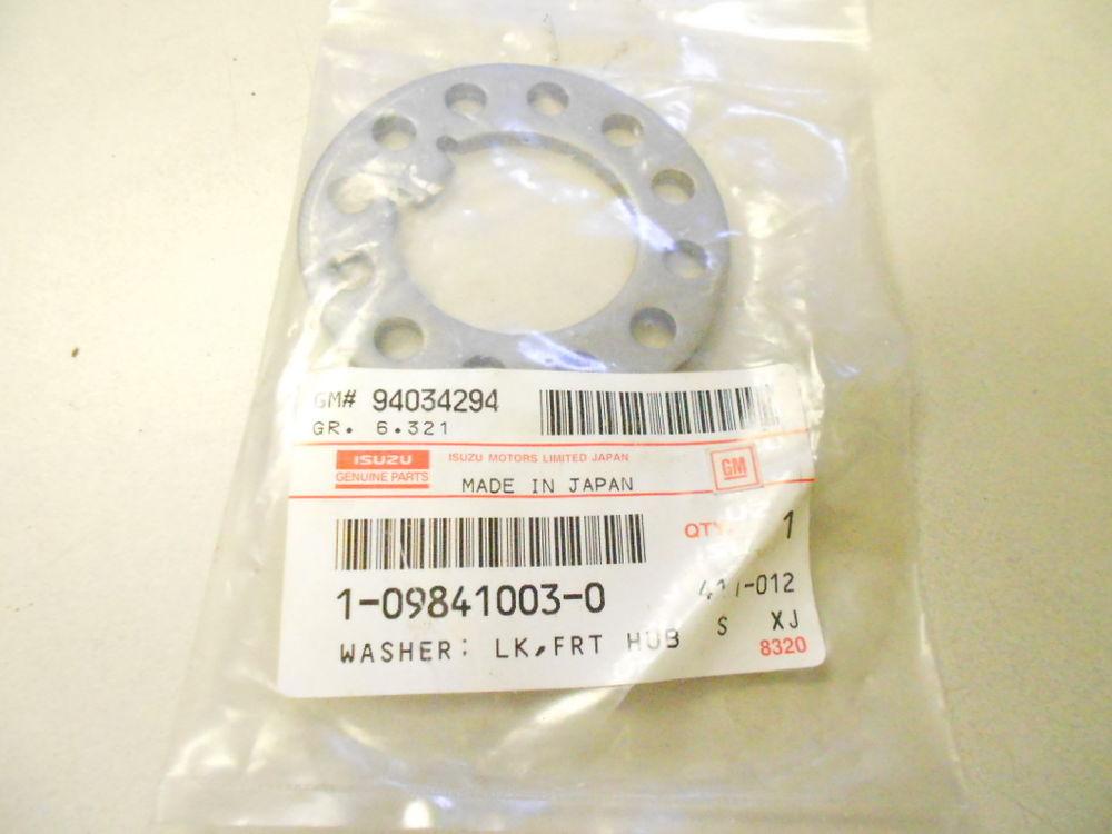 Isuzu 1-09841-003-0  front hub lock washer oem
