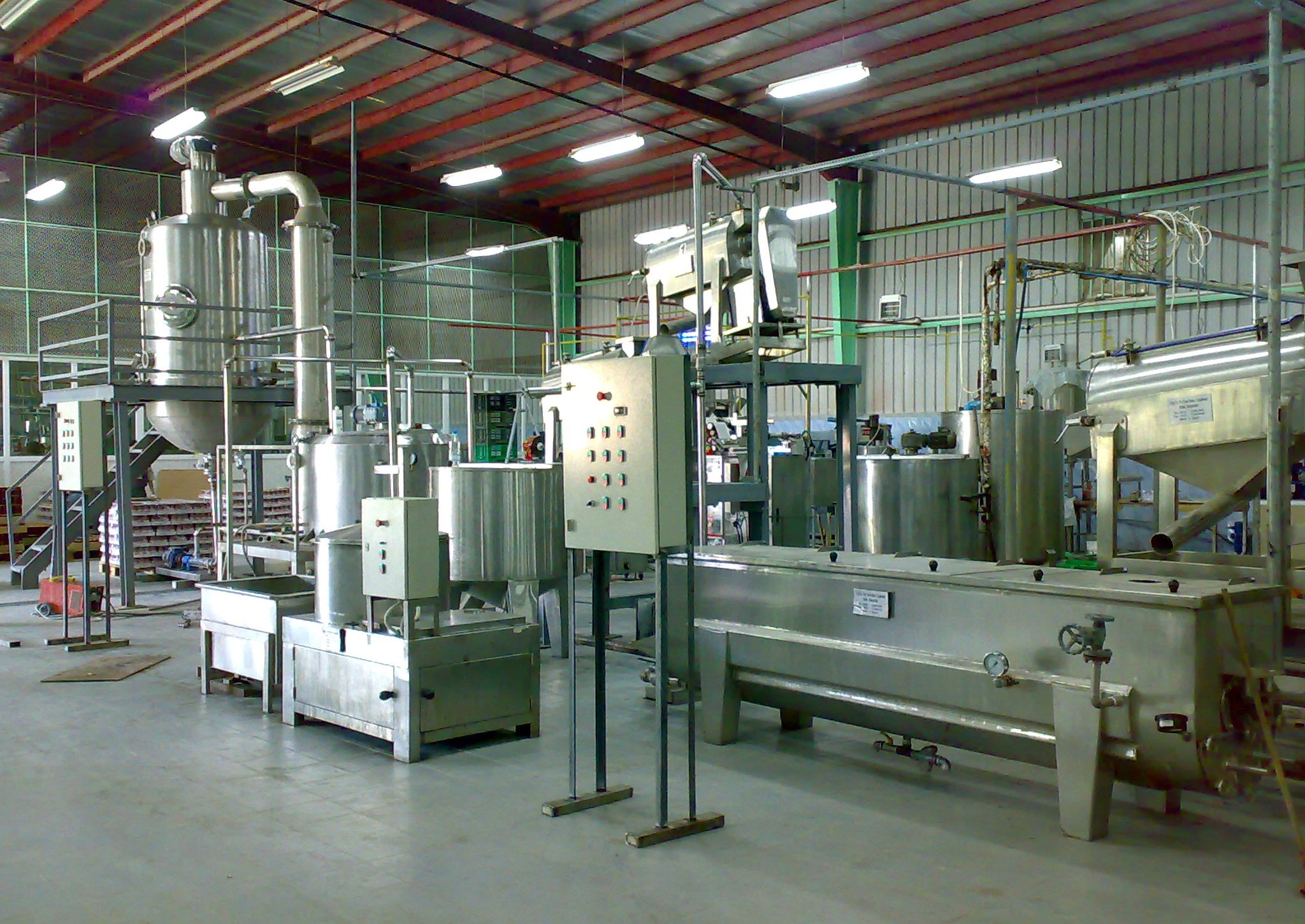 Automatic complete line for fruit pulp, sauce and molasses