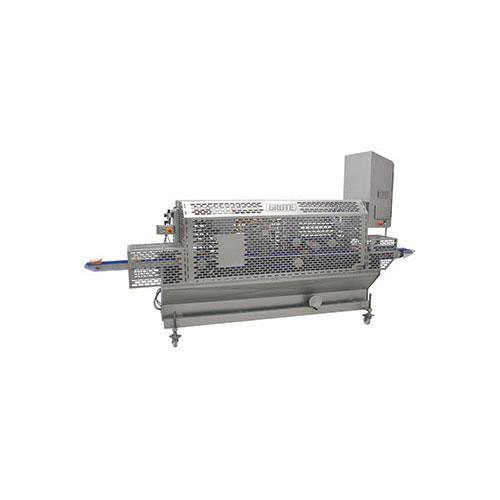 Mechanical blade sandwich cutter