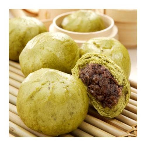 Matcha and adzuki bean bun