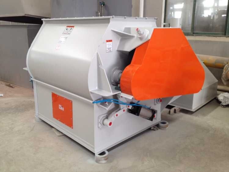 Double shaft mixing machine