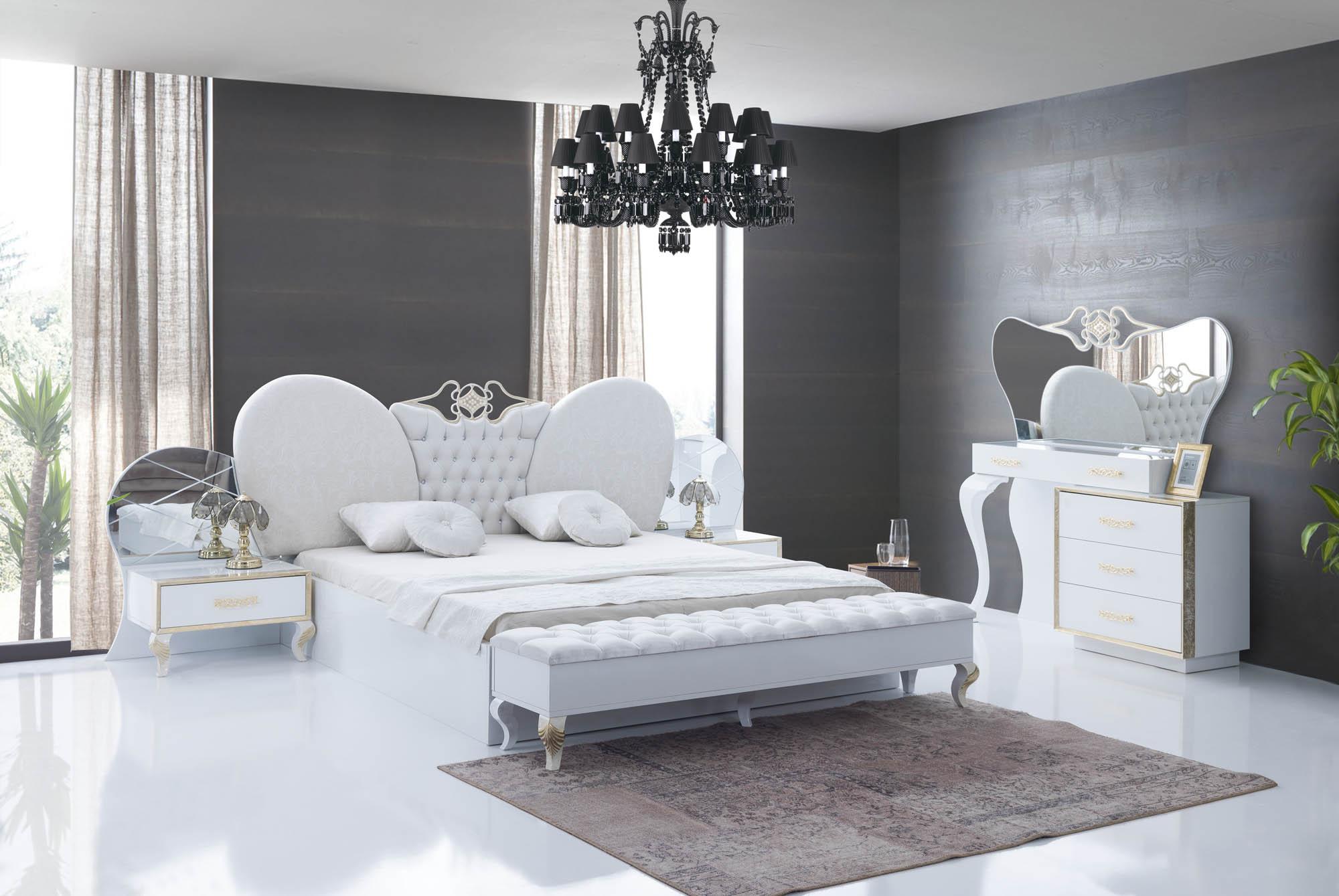 Saray bedroom