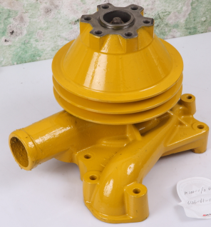 Komatsu engine 6d105 water pumps pc200-3 oem 6136-62-1102 6136-62-1100