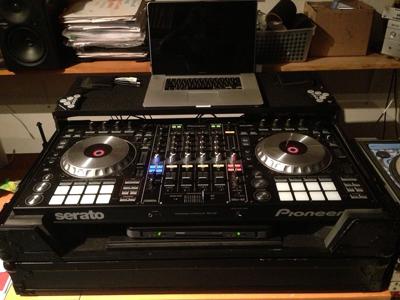 Pioneer Pro DJ DDJ-SZ DJ Professional DJ Controller_2