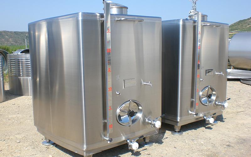 Food / oils tanks
