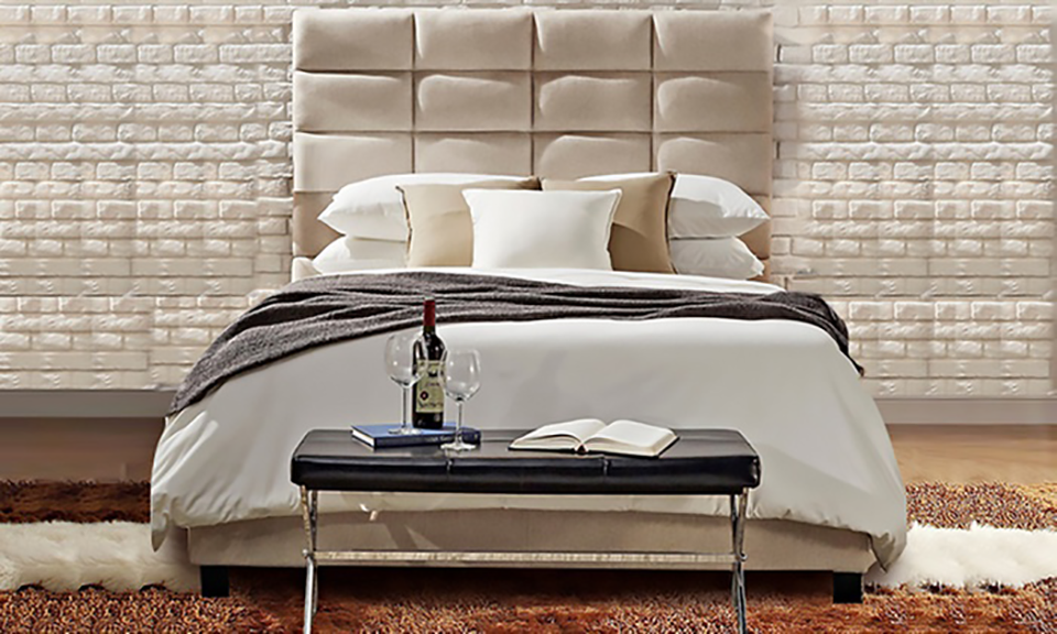 Luxurious Classic High-Profile Upholstered Bed_3