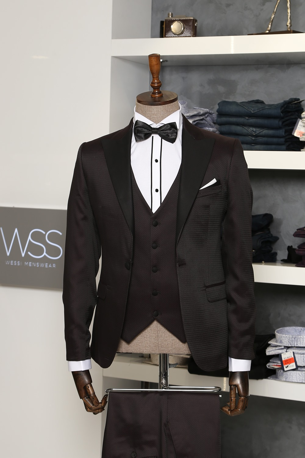 Claret red and black tuxedo for men | clos