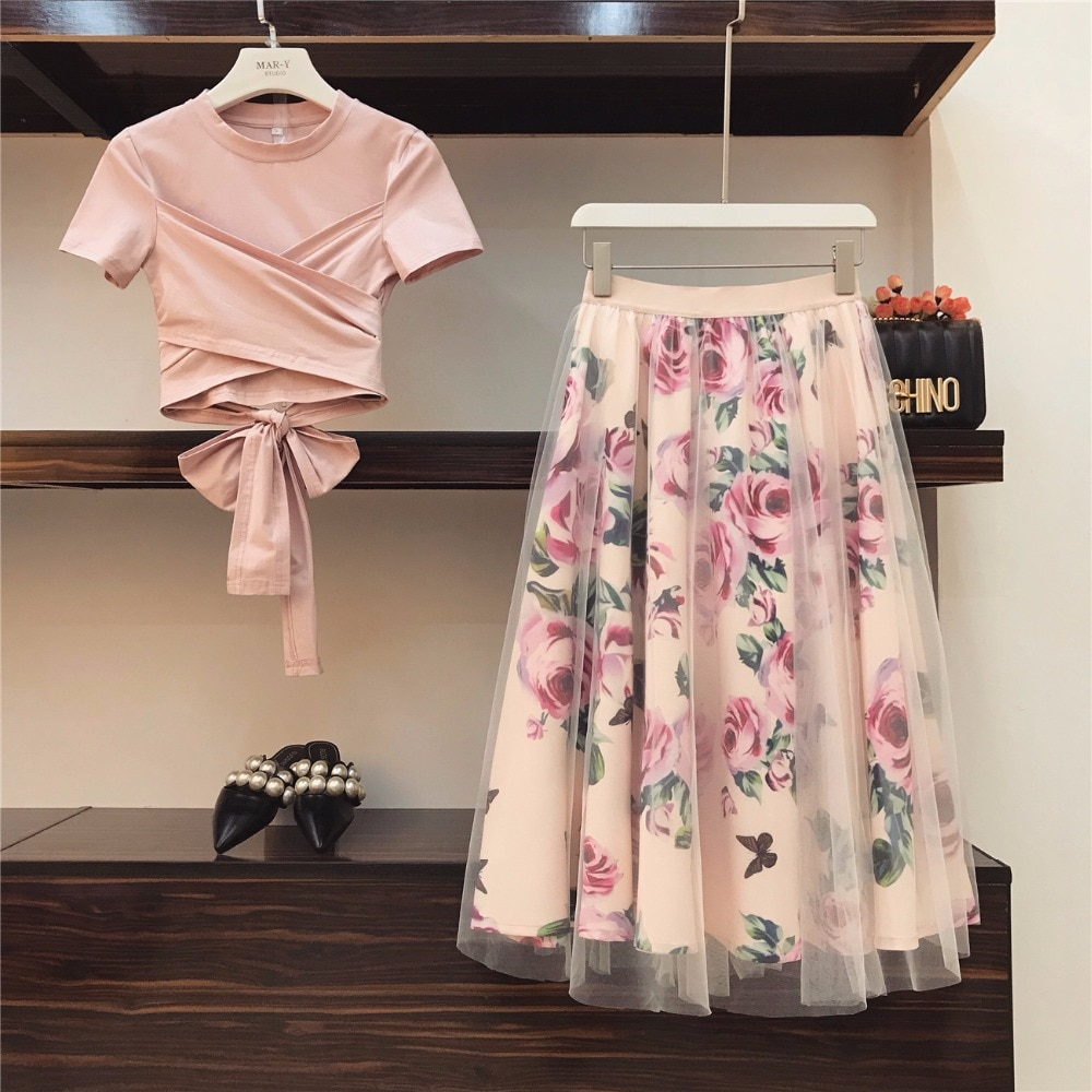 Two pieces set women's cotton t shirt and strap plaid skirt