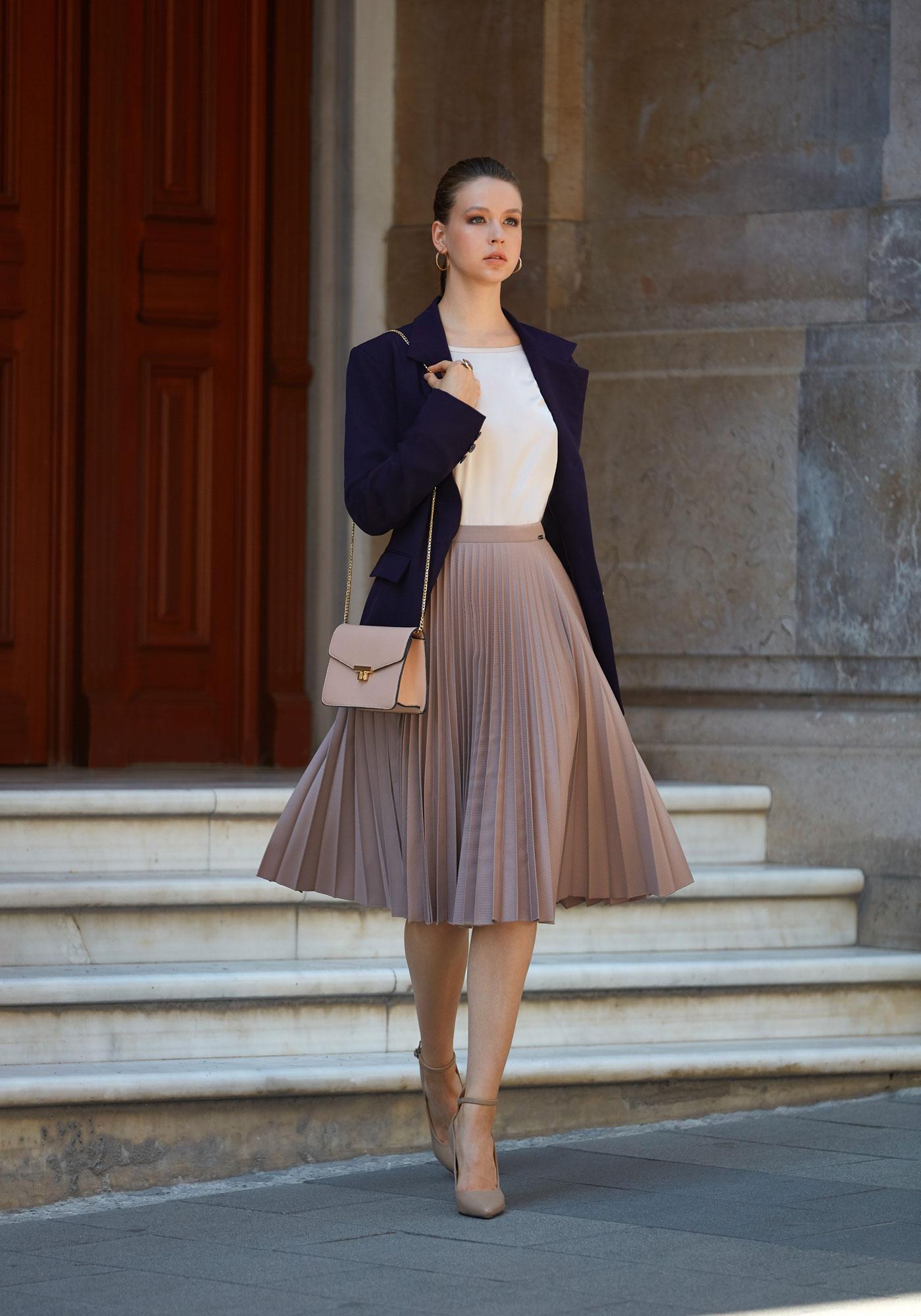 Little pleated skirt
