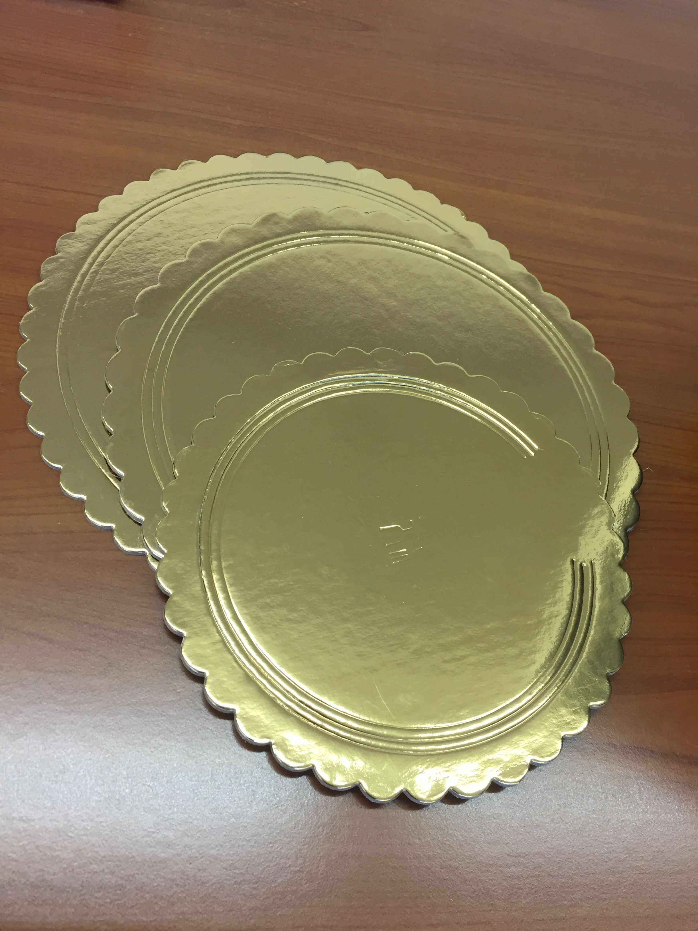 Cake boards and trays