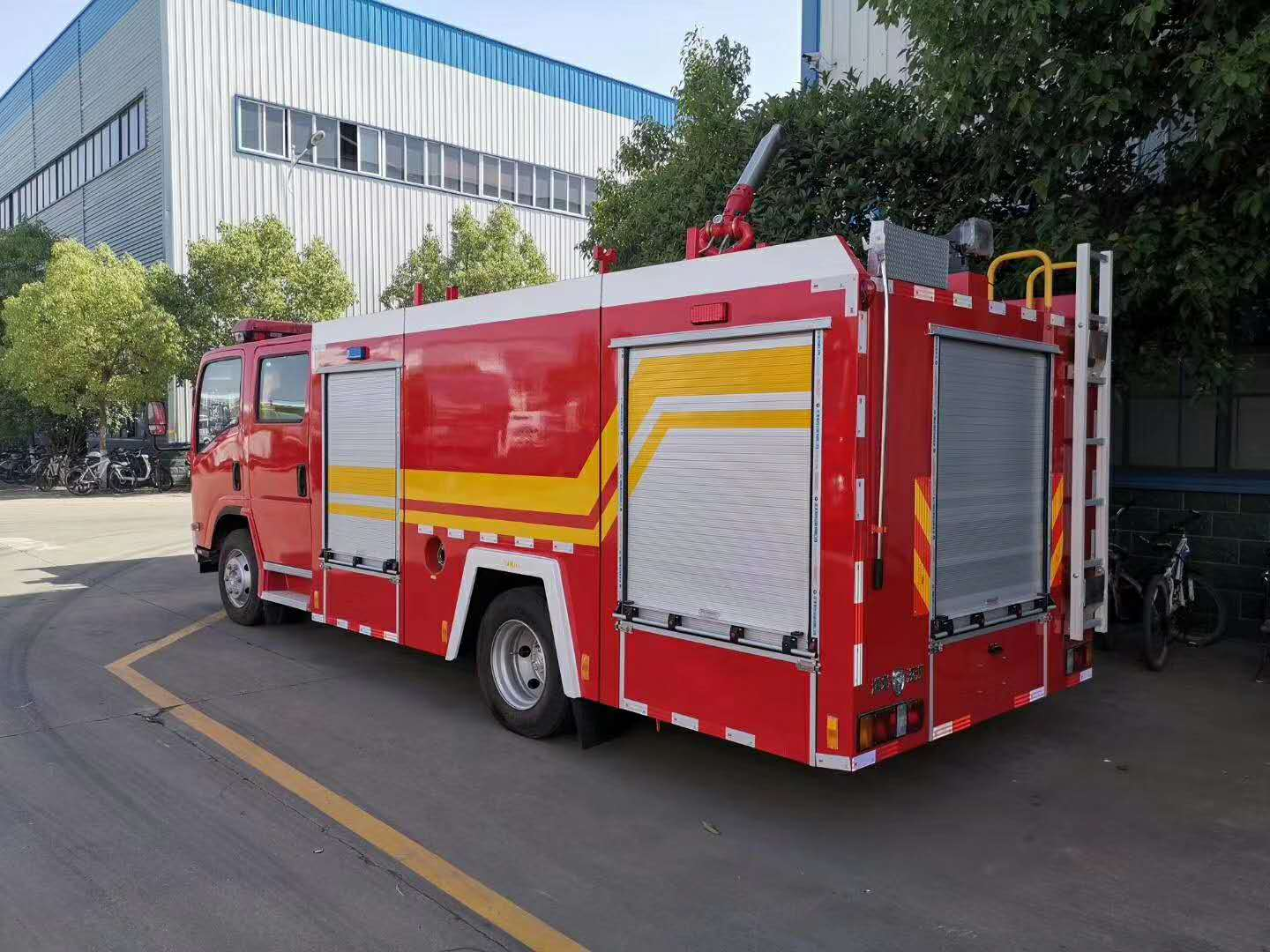 High water pressure fire trucks