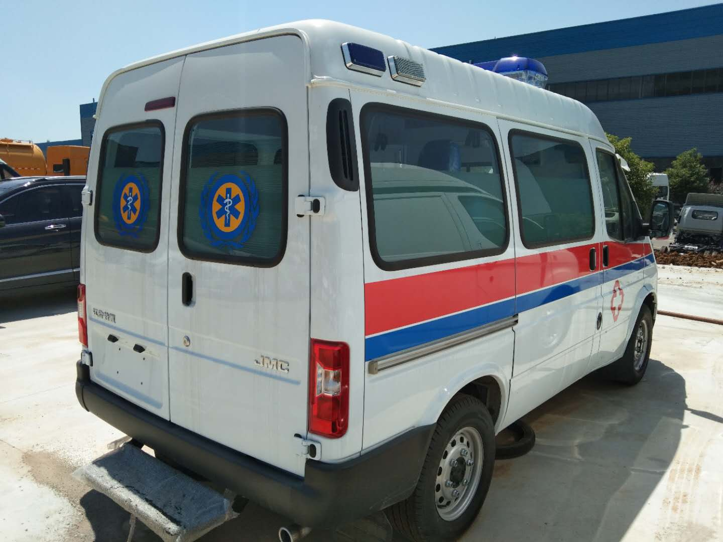 New Ambulance Vehicles for Fighting COVID-19_3