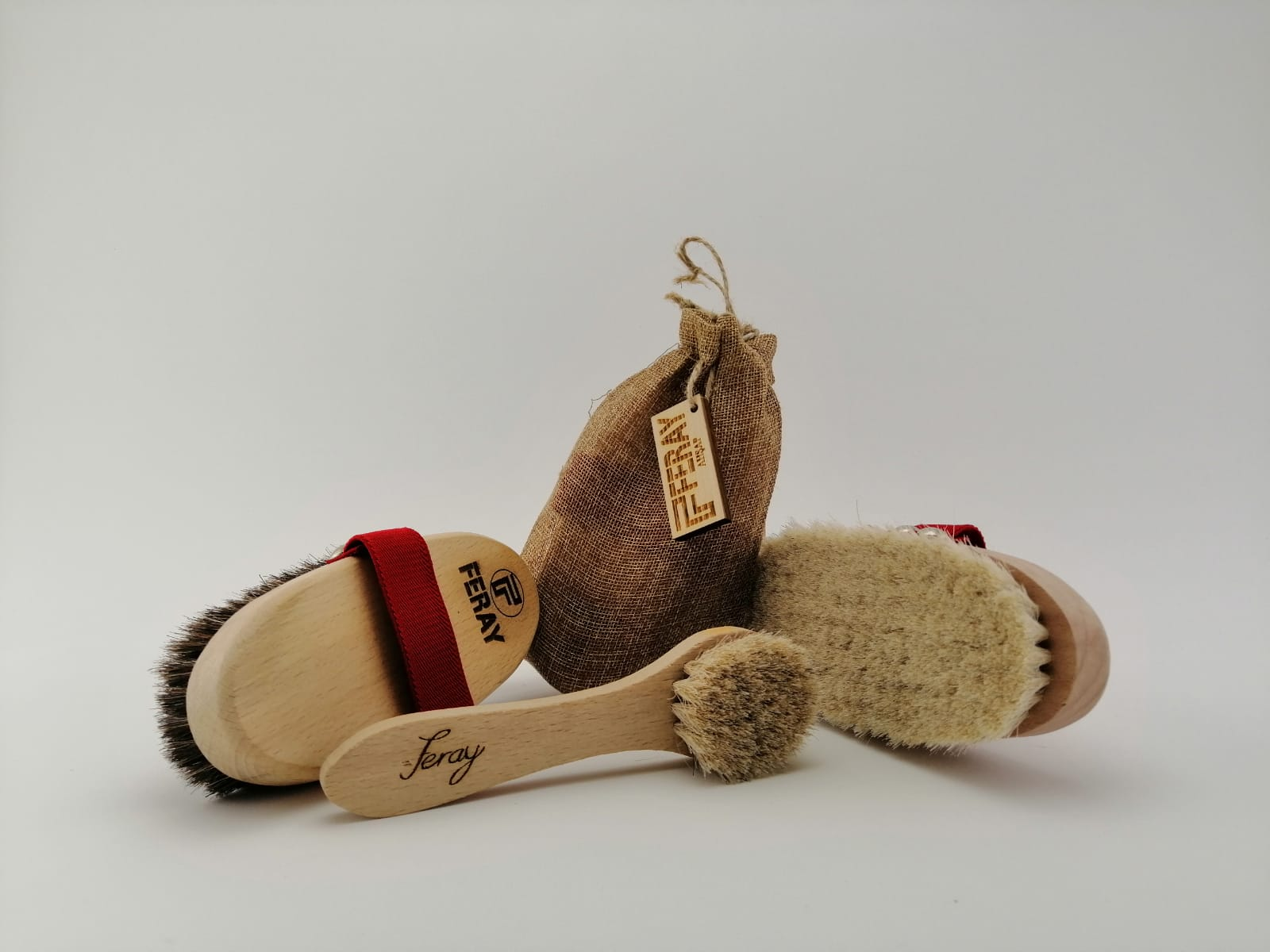 Feray natural horsehair body and face brush