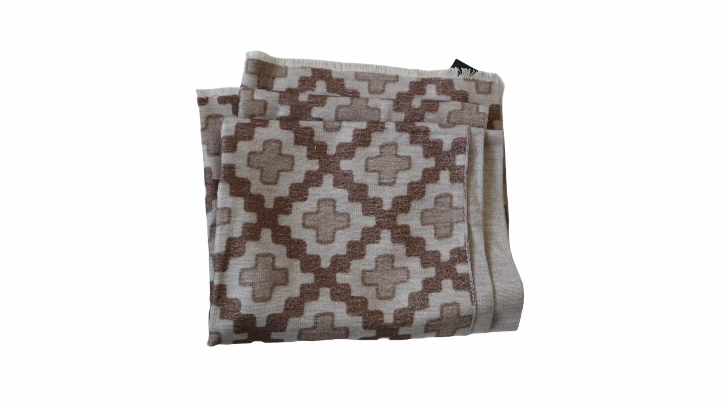 Kiton scarf
