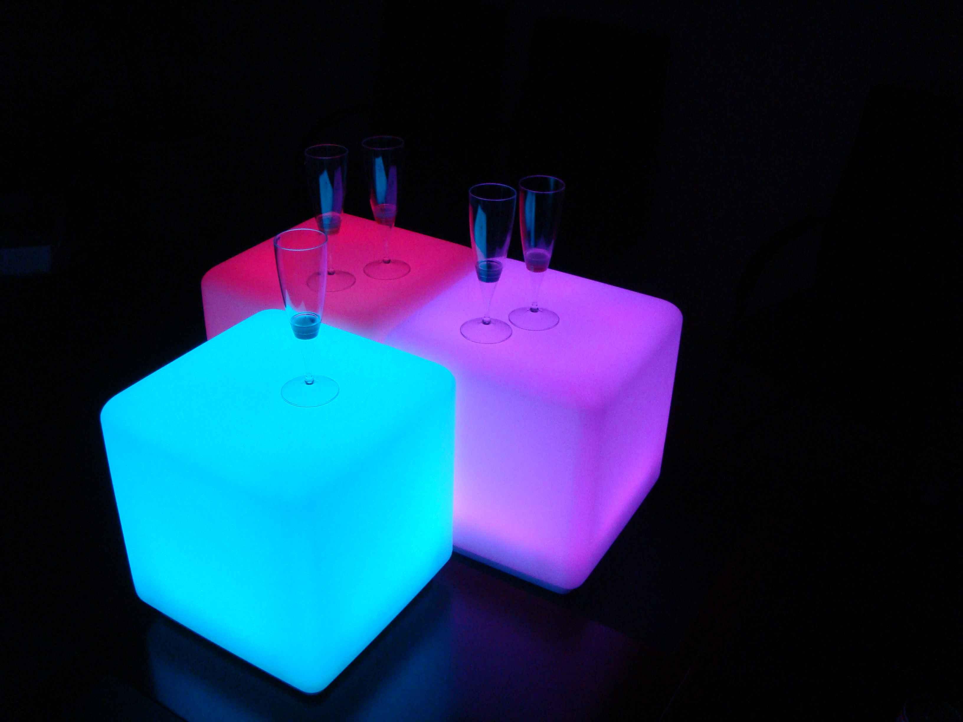 Waterproof led cube 40 cm