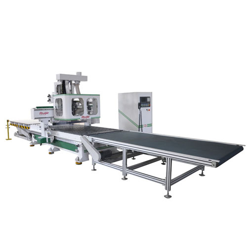 Wood working center with feeding system