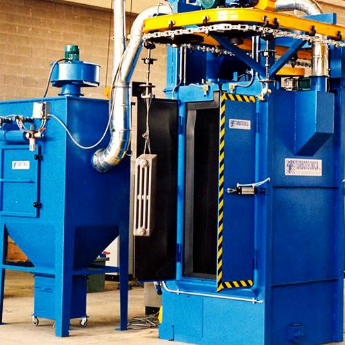 Continuous operated blasting machine