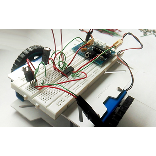 Short circuit - mobile controlled robot