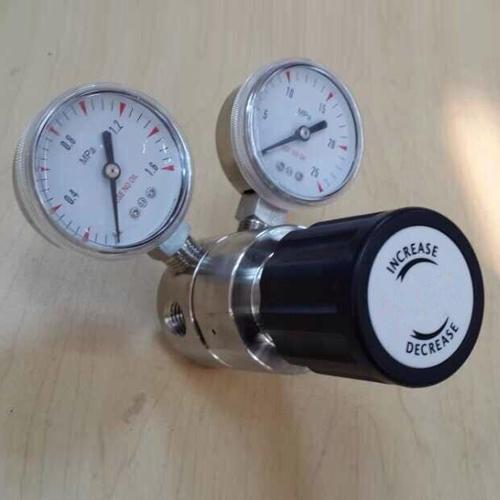 Stainless steel gas regulator for lab 0-4000 inner pressure
