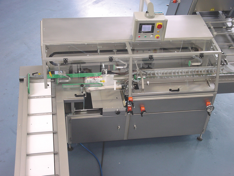 Automatic slicing and packing machines