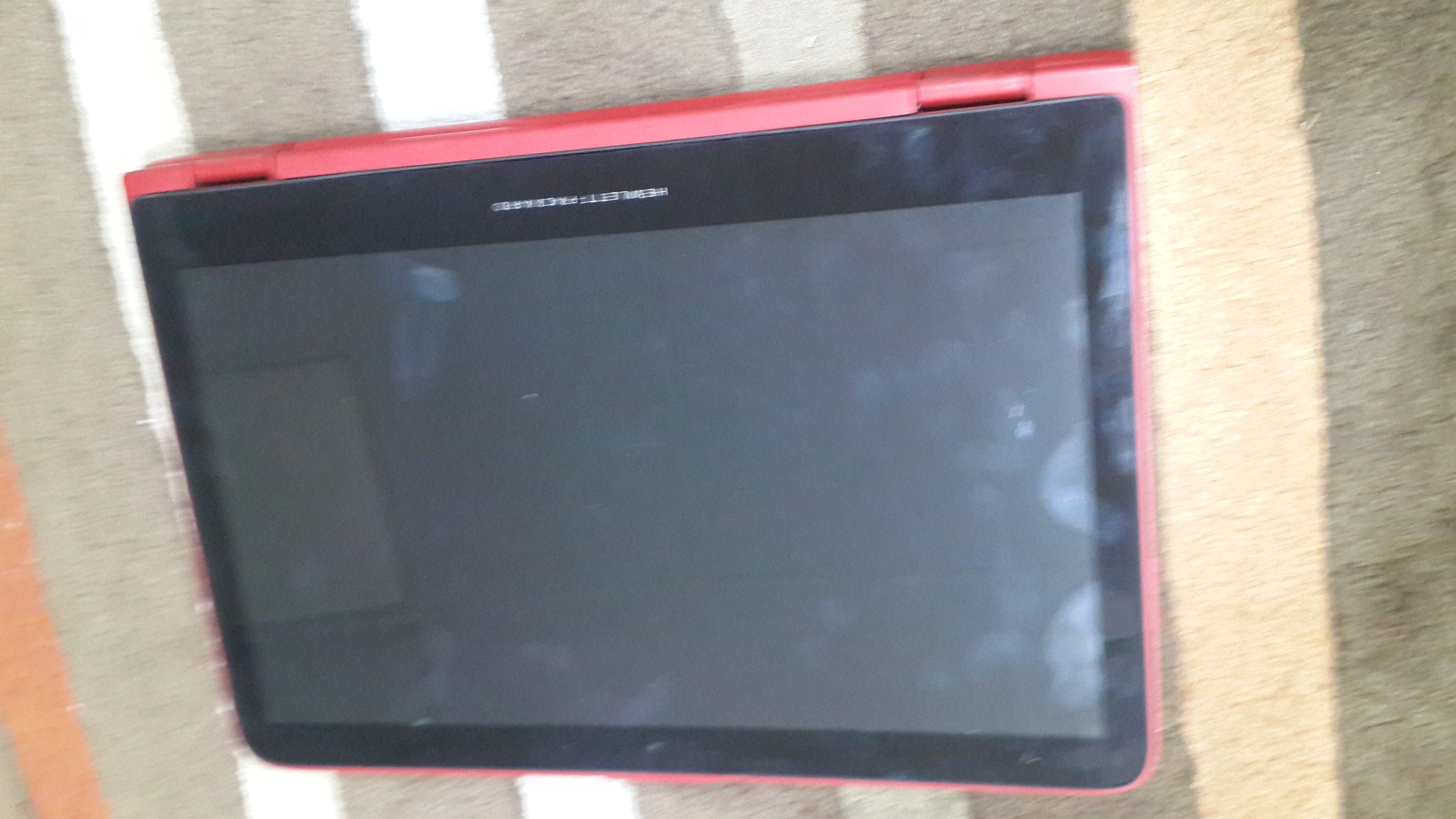 HP Pavilion x 360 full Red with Beats Audio_3