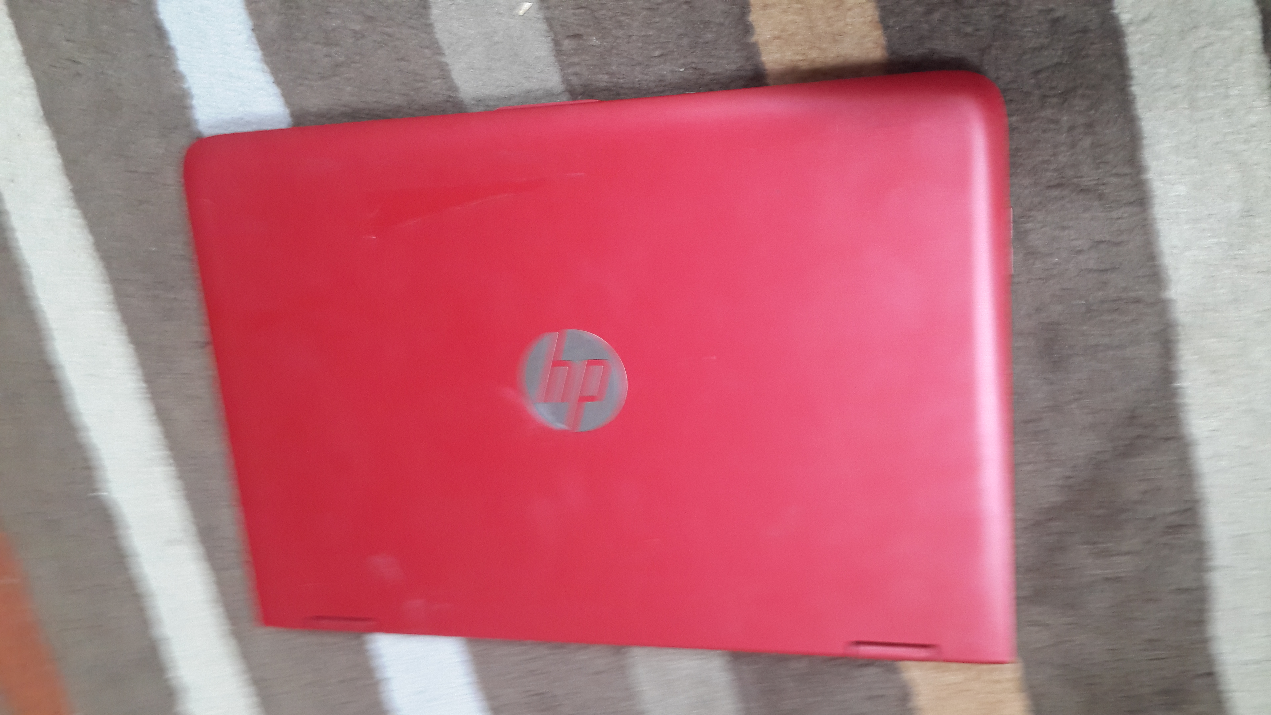 HP Pavilion x 360 full Red with Beats Audio_4