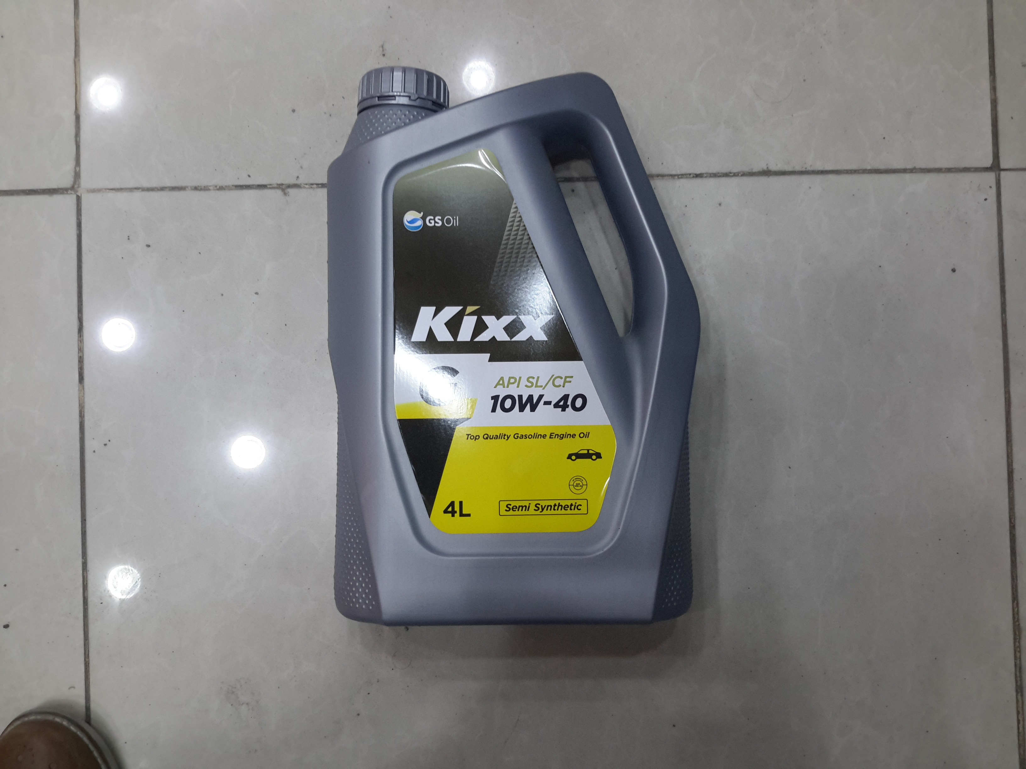 Kixx 10w/40 engine oil