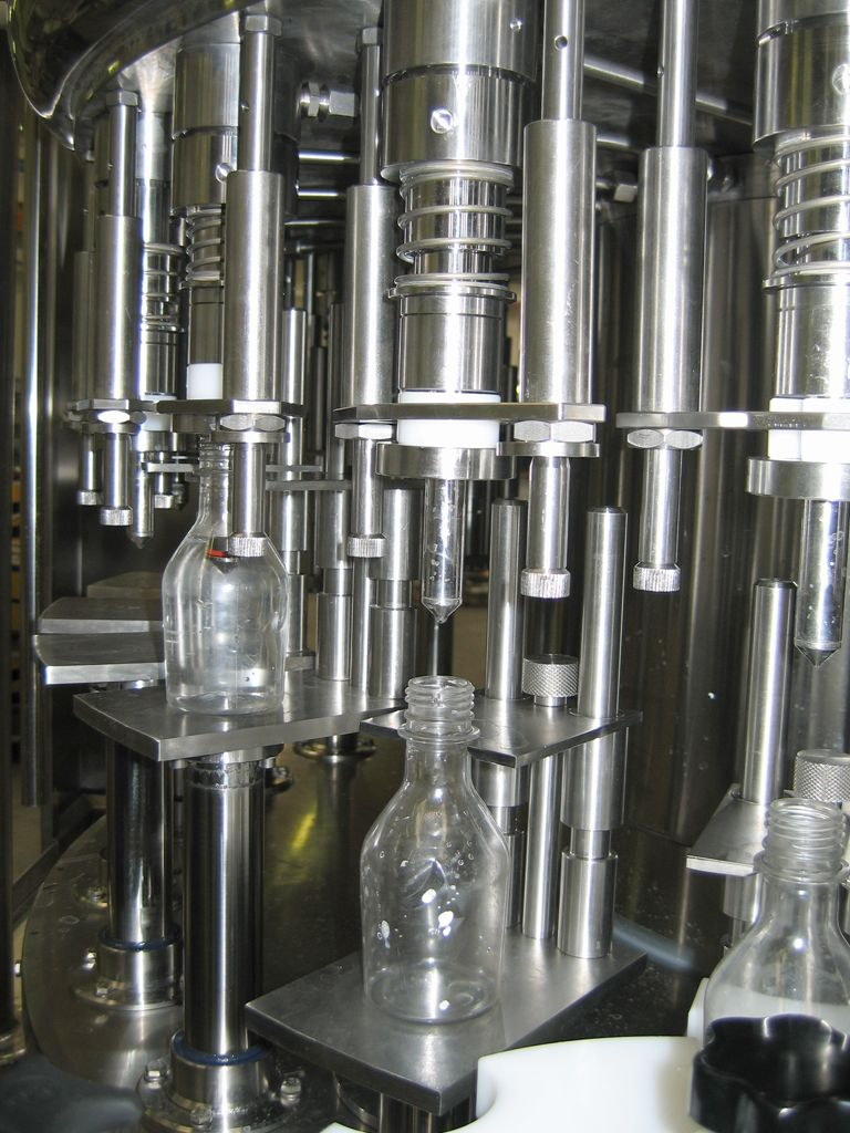 Gravity-light pressure filling machines