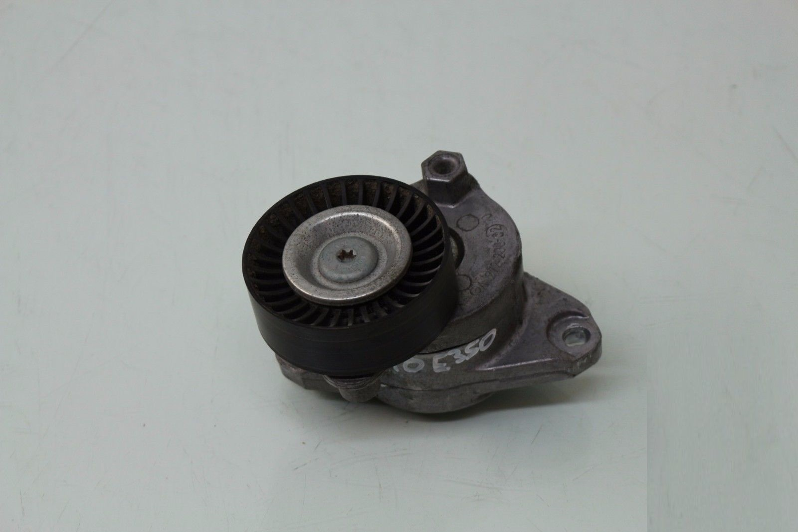 Belt tensioner 272 200 0270