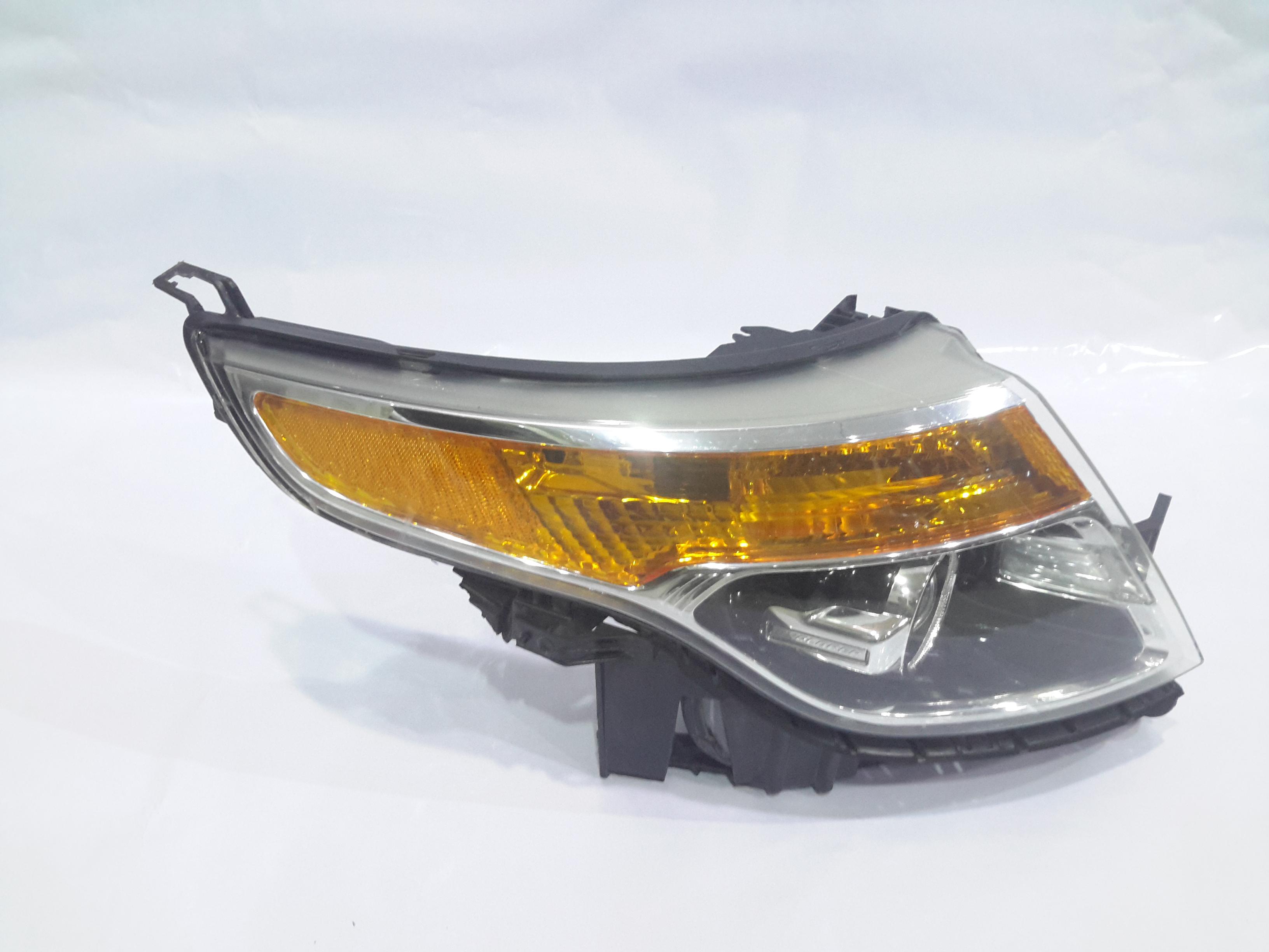 Headlight  ford explorer 2013_3